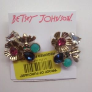 Betsey Johnson NewMismatchFlowers and Bee Earrings